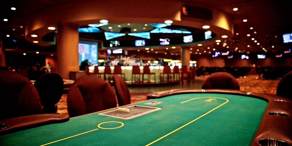 Tricks to become a pro in playing poker game